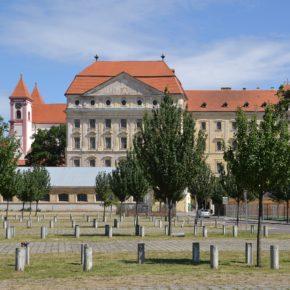Gourmet Jižní Morava - víno a vinařství jižní Morava - Loucký klášter Znojmo