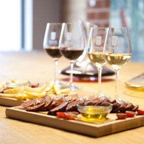Gourmet Jižní Morava - vinařství a vinné galerie   Pálavská Galerie Vín Venuše